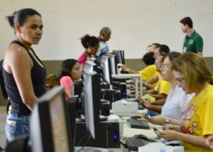 Ao todo, 504.277 famílias beneficiadas pelo Bolsa Família estão recebendo