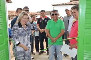 Adailma inaugurou um posto de saúde no sítio Cardoso (Foto: Fabiano Lopes/ManchetePB)