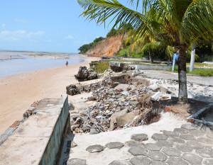 Praia do Seixas é uma das classificas como impróprias para banho  (Foto: Walter Paparazzo)