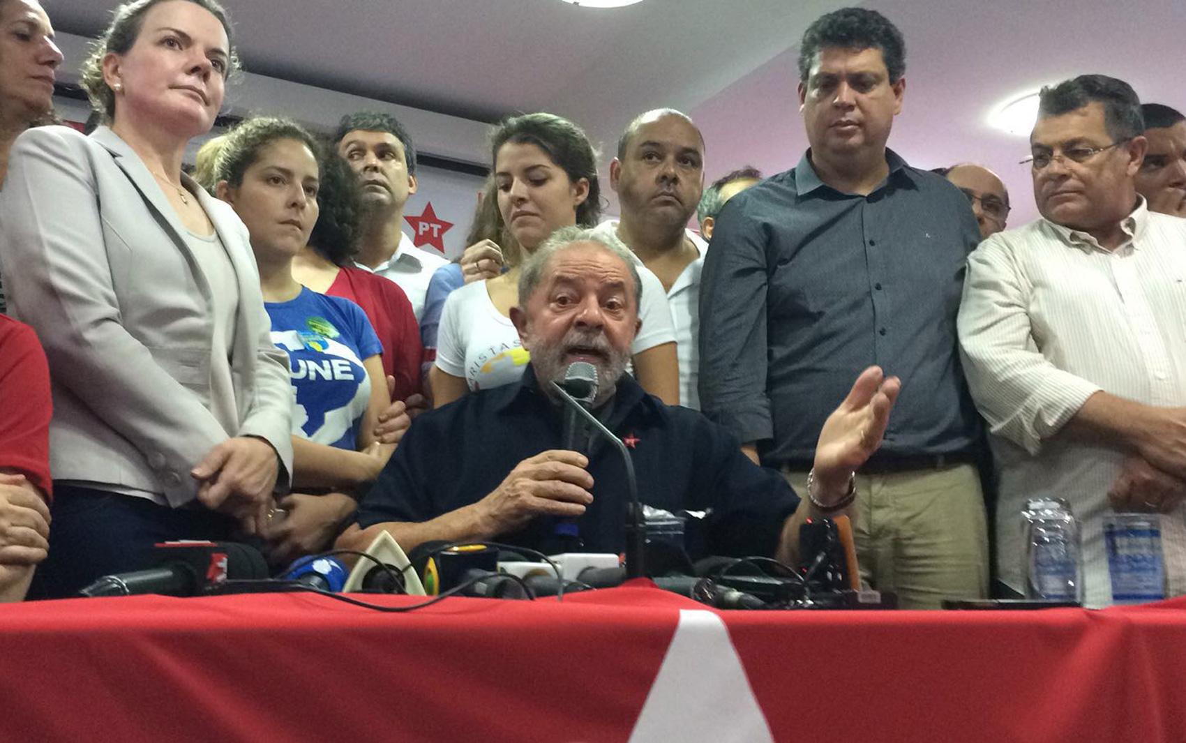 Lula faz pronunciamento na sede do PT em São Paulo (Foto: Paula Paiva Paulo)