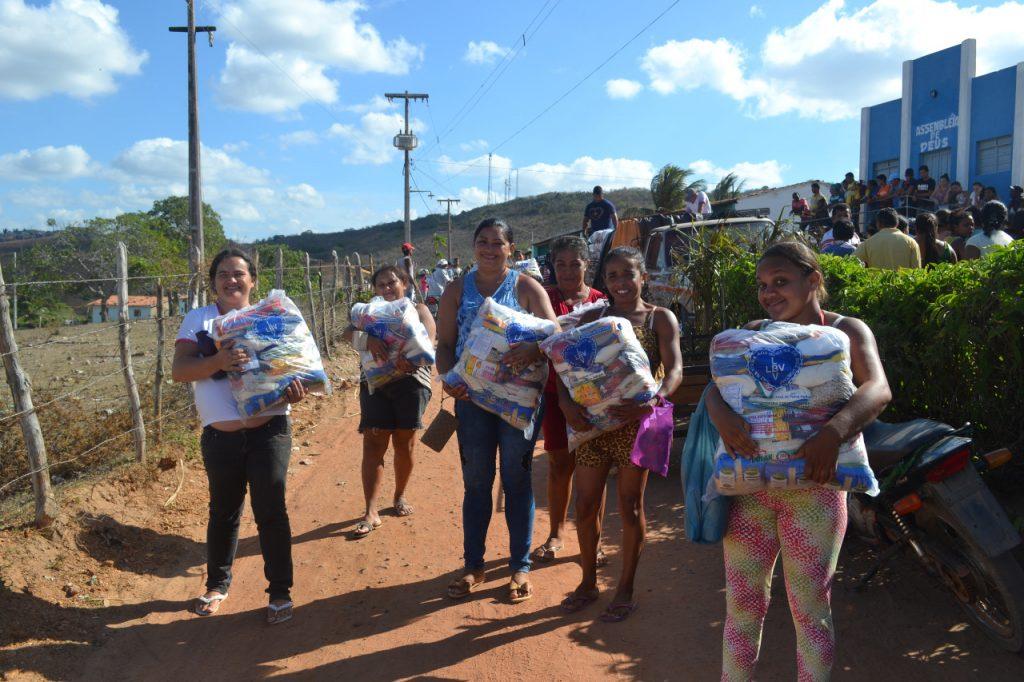 Familias da Zona Rural de Dona Ines recebem assistência básica da LBV (Foto: Divulgação)