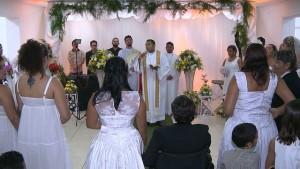Casamento contou com 12 casais que oficializaram união civil (Foto: Reprodução/TV Cabo Branco)