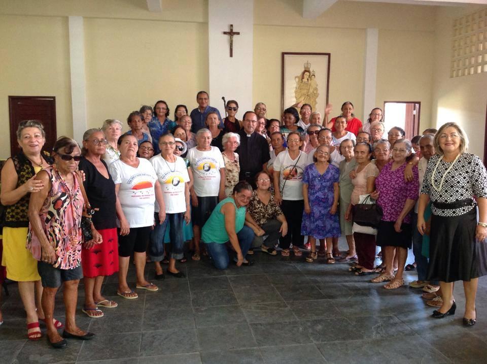 Cerca de 80 idosos participaram da comemoração (Foto: Manchete PB)