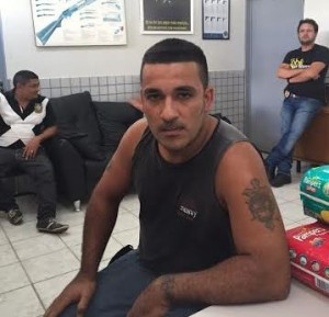 Em depoimento, homemdisse que fugiu da guerrilha colombiana (Foto: Walber Virgulino)