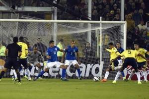 Zagueiro Murillo marcou o único gol da partida em Santiago (Foto: Nelson Almeida / AFP)