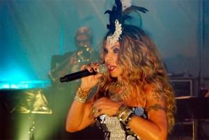 Elba Ramalho faz seu tradicional show de véspera de São João em Campina Grande (Foto: Marco Polo)