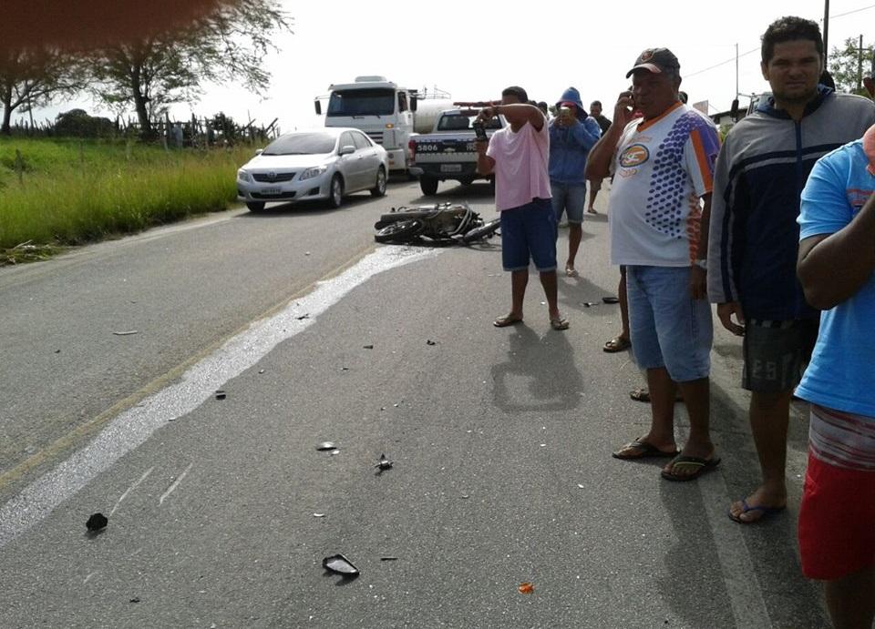 Acidente aconteceu nas proximidades da Agrovila Tainha (Foto: Reprodução/Whatsapp)