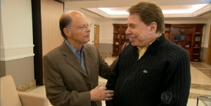 Edir Macedo e Silvio Santos conversam durante visita ao Templo de Salomão, há duas semanas