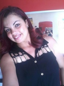 Adriana foi atingida por disparo (Foto: Reprodução/Whatsapp)