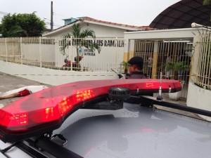 Crime aconteceu em frente a escola pública, em Mangabeira (Foto: Walter Paparazzo)