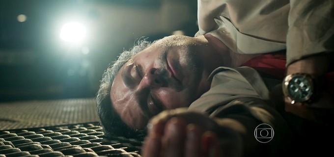 Alexandre Nero (Romero) em cena de A Regra do Jogo, novela das nove da Globo
