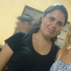 Vítima era atendente de telemarketing e saia do trabalho quando foi atingida no tórax pelo tiro (Foto: Reprodução/Facebook)