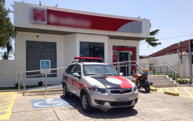 Agência assaltada fica localizada na avenida Epitácio Pessoa (Foto: Walter Paparazzo)