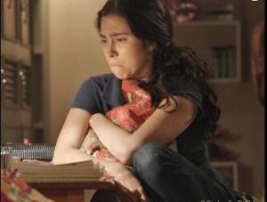 Débora  ficou arrasada quando soube que Cassandra passou a noite com Fabinho