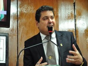 Renato Martins está sendo processado pelo líder da bancada do prefeito Luciano Cartaxo (Foto: Divulgação)