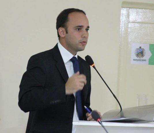 Douglas Lucena, prefeito de Bananeiras