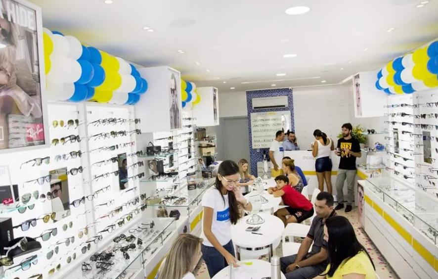 8b485fdc167e4 A loja instalada em Guarabira está entre as mais bem avaliadas pelo  franchising da Óticas Carol.