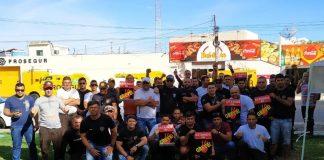 Vigilantes se concentram em frente a empresas privadas de carros-fortes, em João Pessoa (Foto: Divulgação / Marcos Justino Filho)