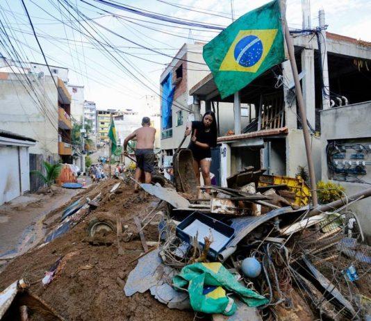 Rua onde aconteceu desabamento da Muzema (Foto: Marcos Serra Lima/G1)