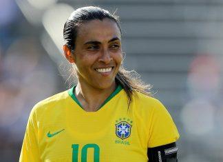 Marta e companhia estreiam neste domingo contra a Jamaica (Foto: Getty)