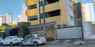 Um dos mandados da Operação Garimpo foi cumprido em apartamento no bairro de Tambaú, em João Pessoa (Foto: Danilo Alves/TV Cabo Branco)