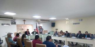 Vereadores aprovaram em sessão extraordinária pedido de prorrogação da licença para tratamento de saúde do prefeito Zenóbio Toscano (Foto: Assessoria CMG)